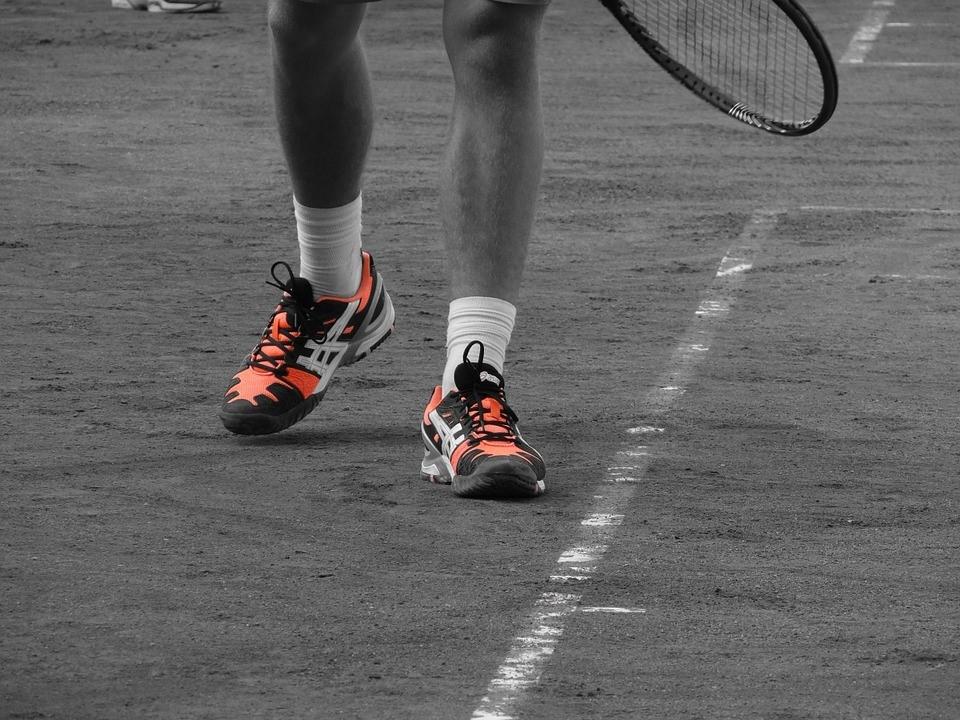 tennis equipment & tennis shoes